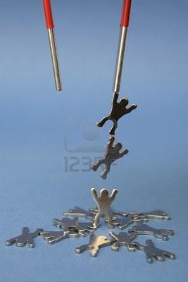 9617887-sfondo-di-magnete-di-sollevamento-metallo-figure-onblue